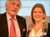 Preisübergabe durch Joachim Bader, Präsident des Europäischen Erfinderverbandes